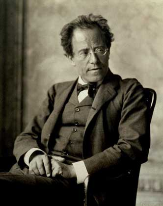 ' ' from the web at 'http://www.ofletters.com/composers/mahler.jpg'